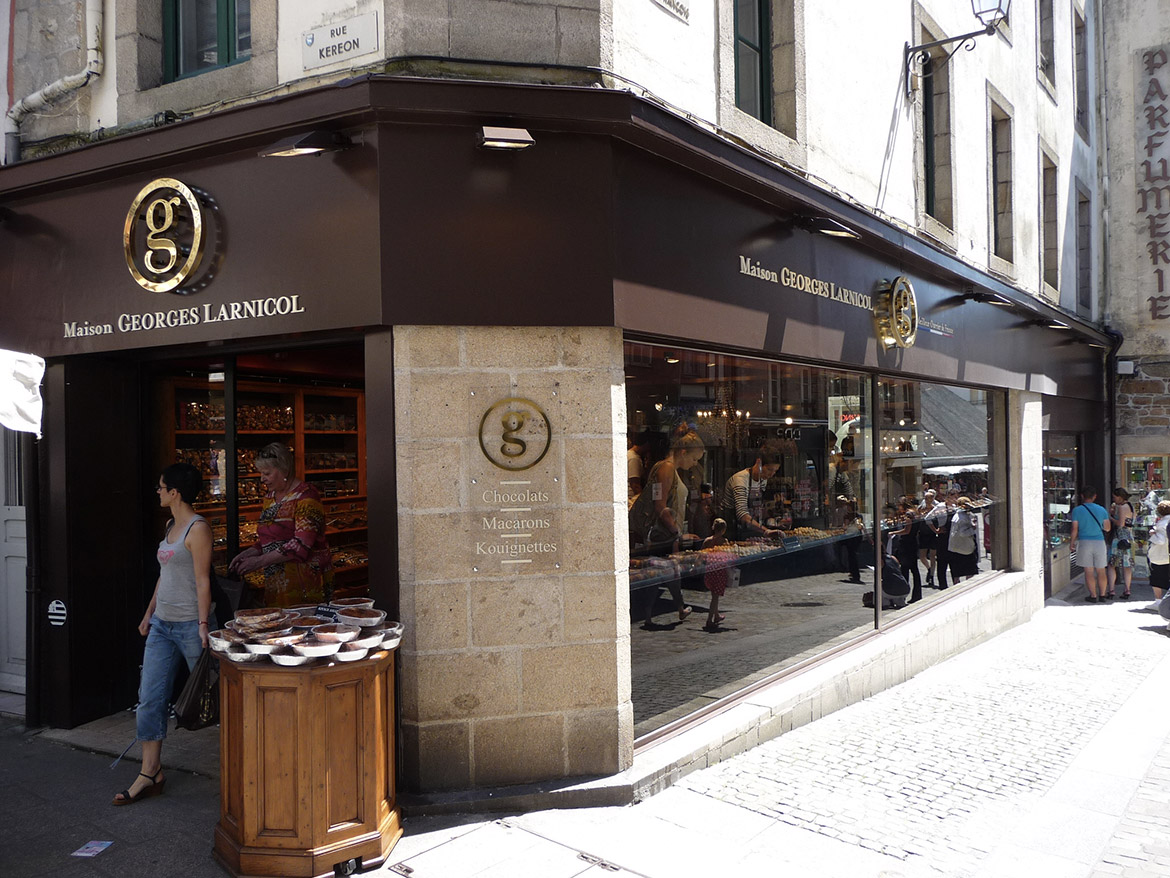 The Larnicol Quimper Shop